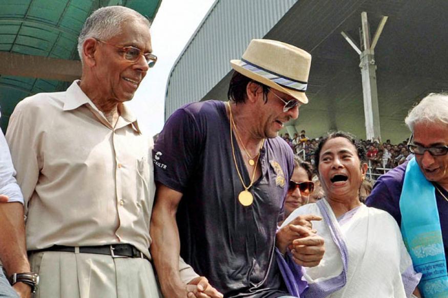 Reconsider MCA ban on SRK: Mamata to Vilasrao