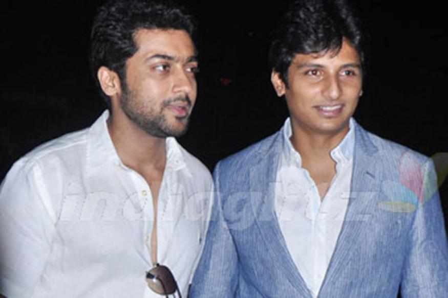 Actor Suriya unveils Jiiva's 'Mugamoodi'