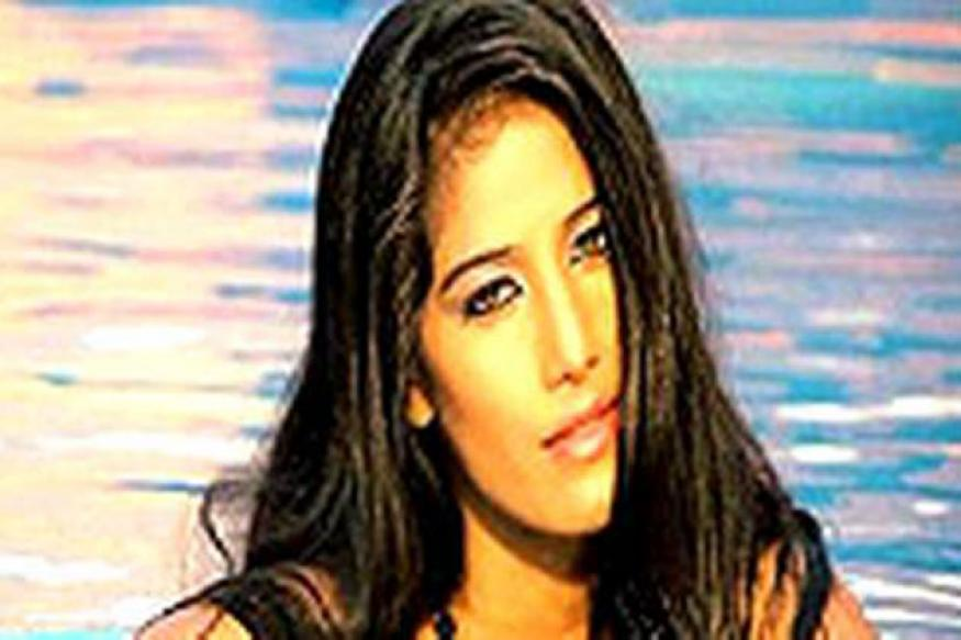 Poonam Pandey may appear in Kannada 'Dirty Picture'