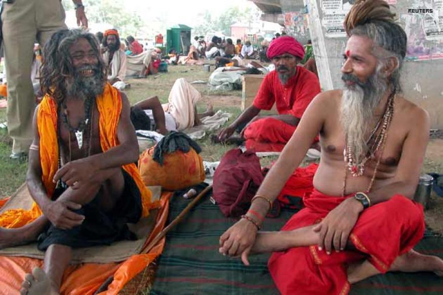 J&K Health Minister visits Amarnath pilgrim camps