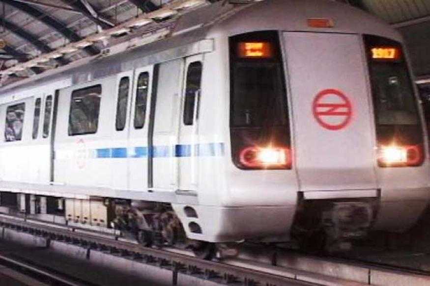 Constable with pistol creates ruckus in Delhi Metro