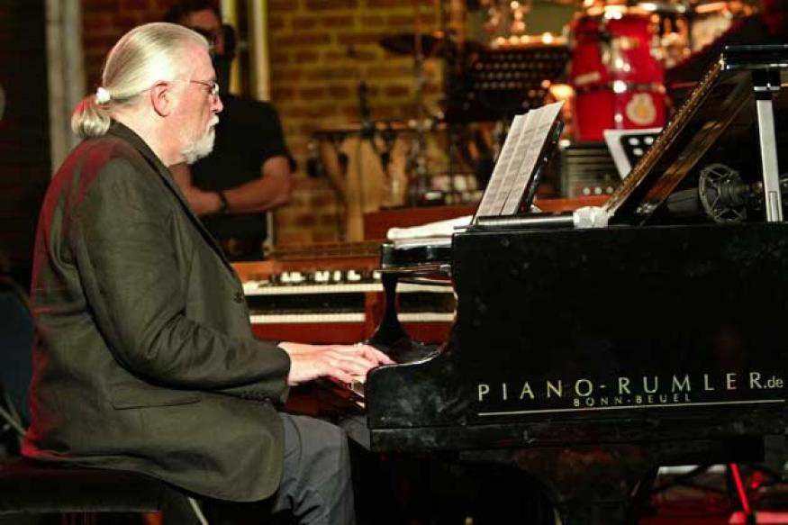 Deep Purple keyboardist Jon Lord dies