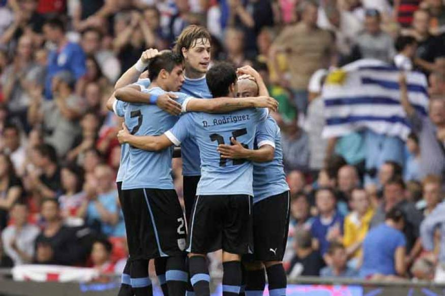 Uruguay beat Emirates 2-1