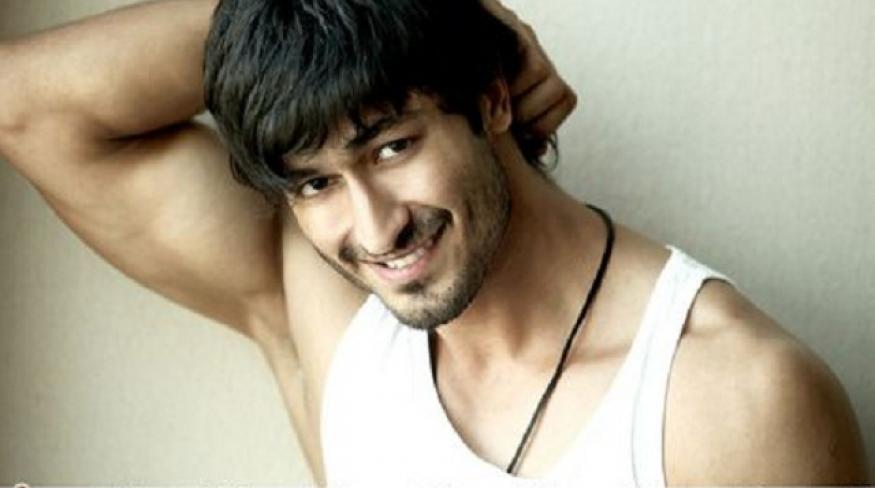 Billa 2: Vidyut Jamwal goes gaga over Bruna