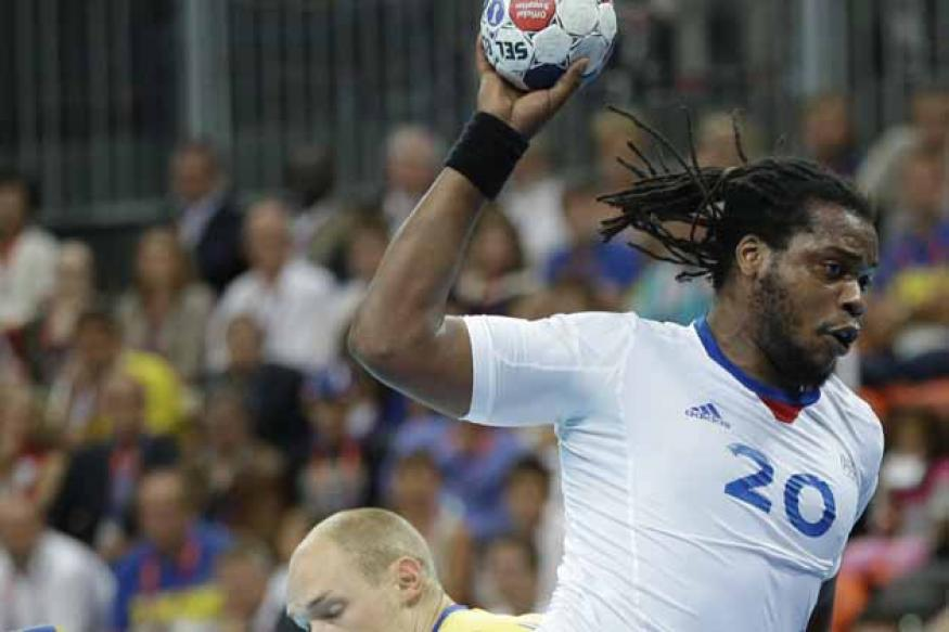 France beat Sweden to keep handball gold