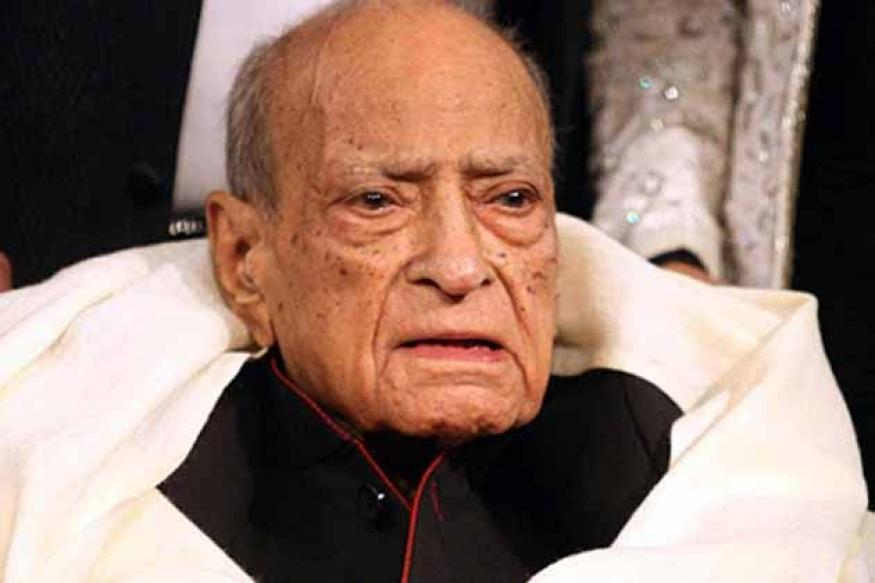 Actor AK Hangal critical, admitted to hospital