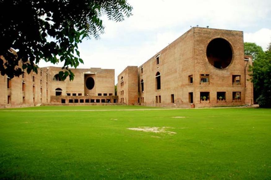 IIM-Ahmedabad clerk commits suicide