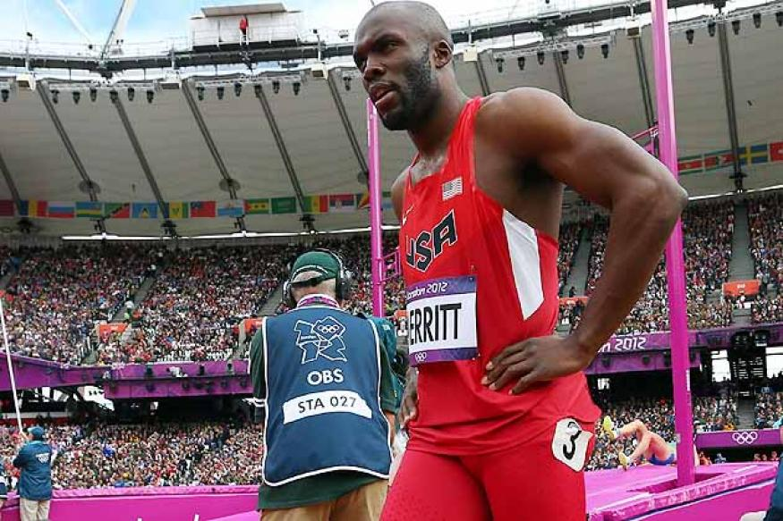 Olympics: Merritt pulls up in 400m qualifying