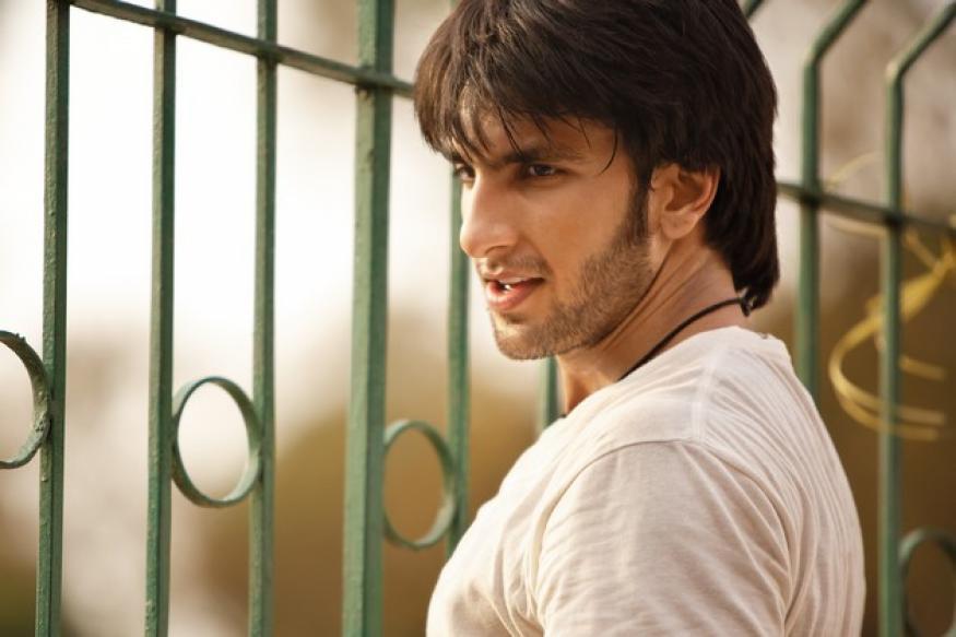 Is Ranveer Singh dating Deepika Padukone now?