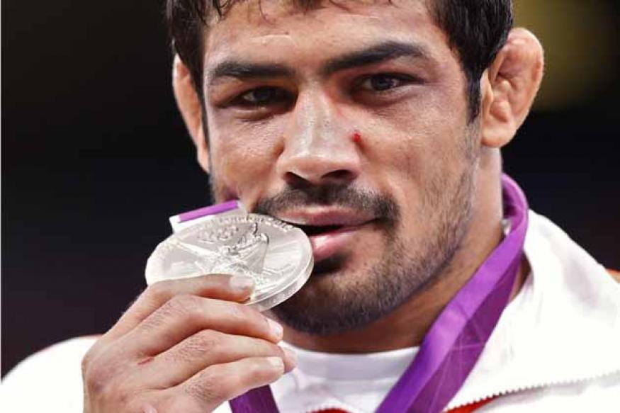 Olympians, coaches hail Indian grapplers' show
