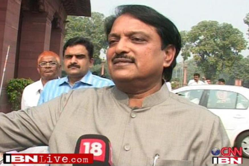 Doctors looking for liver donor for Vilasrao