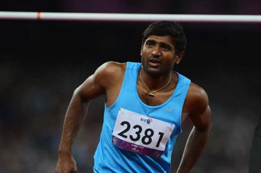 Saina gifts Paralympian Girisha Rs 2 lakh