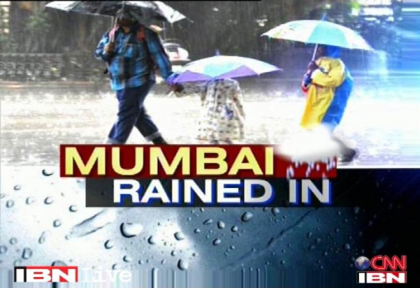 Weather in Mumbai: Heavy Rains continue in Thane, thousands marooned