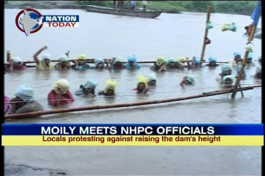 Omkareshwar Dam protest: Moily meets NHPC officials