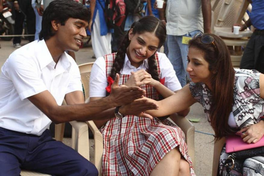 First Look: Sonam Kapoor, Dhanush in 'Raanjhanaa'