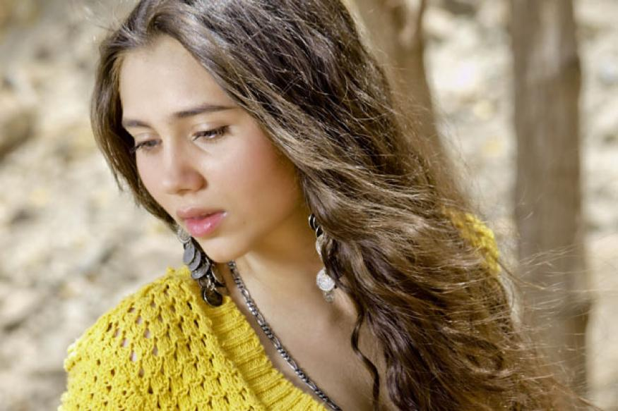 Salma Agha's daughter set for Bollywood debut