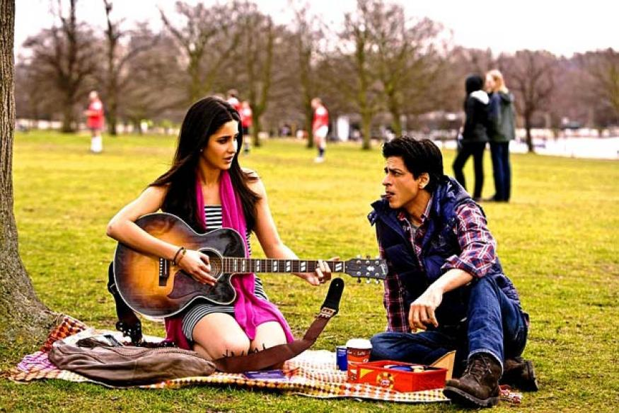 SRK spends a night in 'ek kamre mein band' room
