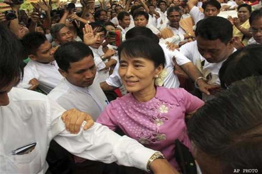 Myanmar's Suu Kyi begins landmark US visit