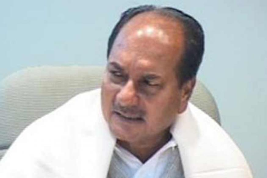 Be transparent in weapons deals, Antony to service chiefs
