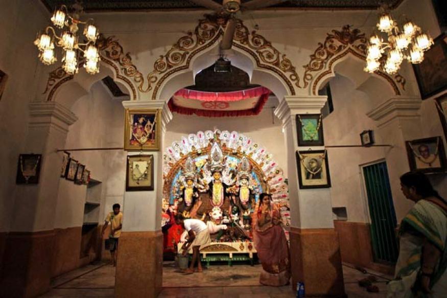 Even Goddess Durga gets the 'blues' to please Mamata