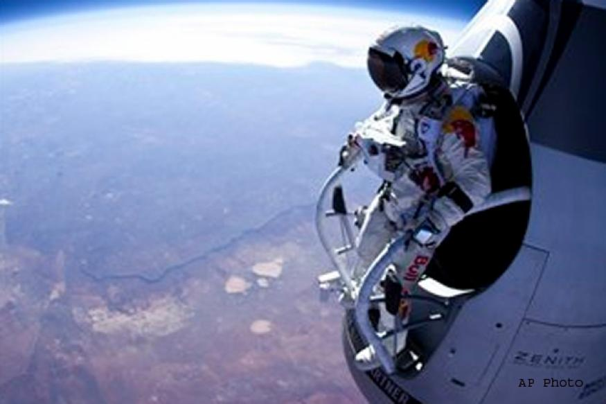 Felix Baumgartner: Skydiver eyes record-breaking jump over US