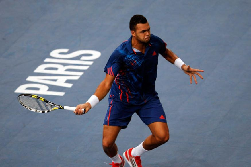 Tsonga defeats Benneteau to reach third round at Paris Masters