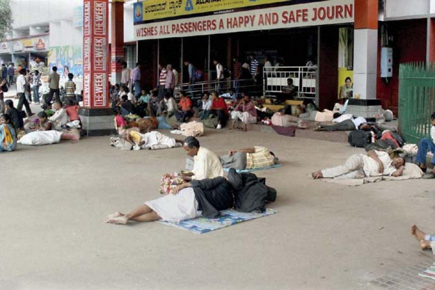Cauvery dispute: Protests hit life in Karnataka