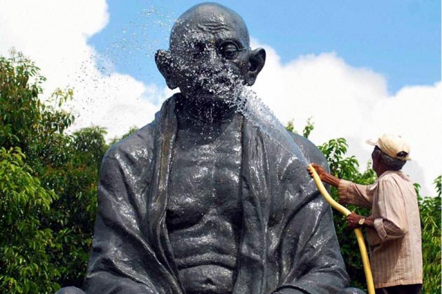 HP: Mahatma Gandhi statue desecrated in Shimla