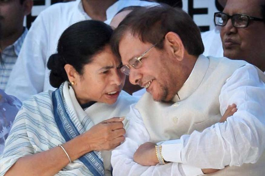 Mamata warns UPA over FDI, threatens trust vote