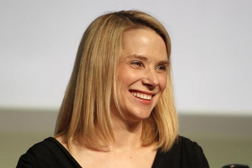 Yahoo CEO raids Google to hire top lieutenant