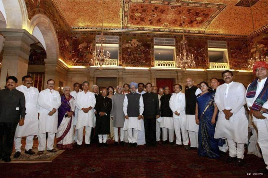 Cabinet reshuffle: Manmohan's new team takes charge today