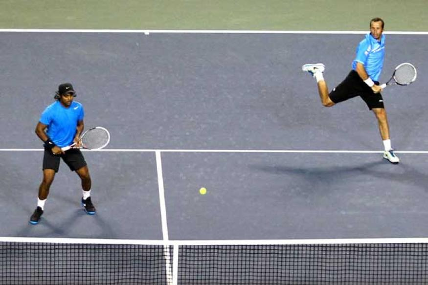 Paes-Stepanek win Shanghai Masters
