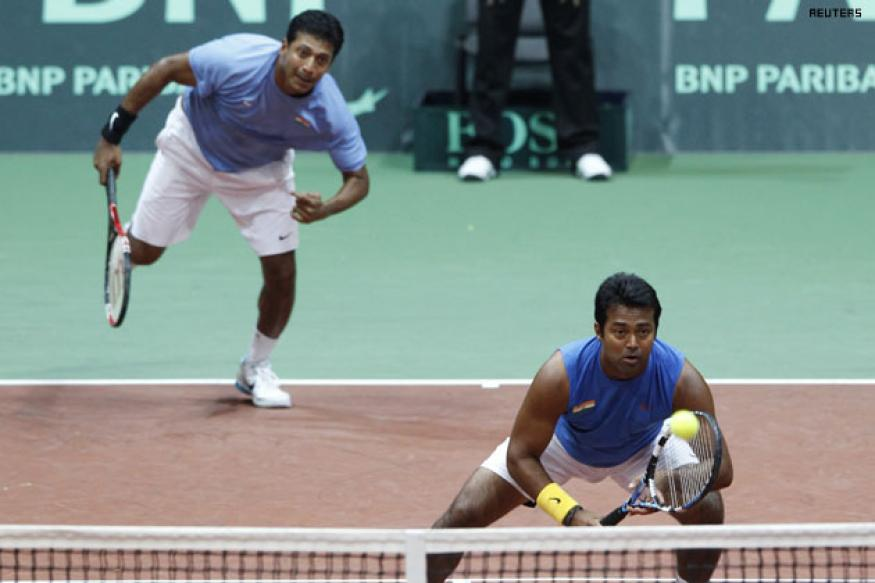 It's Paes vs Bhupathi in Shanghai doubels final