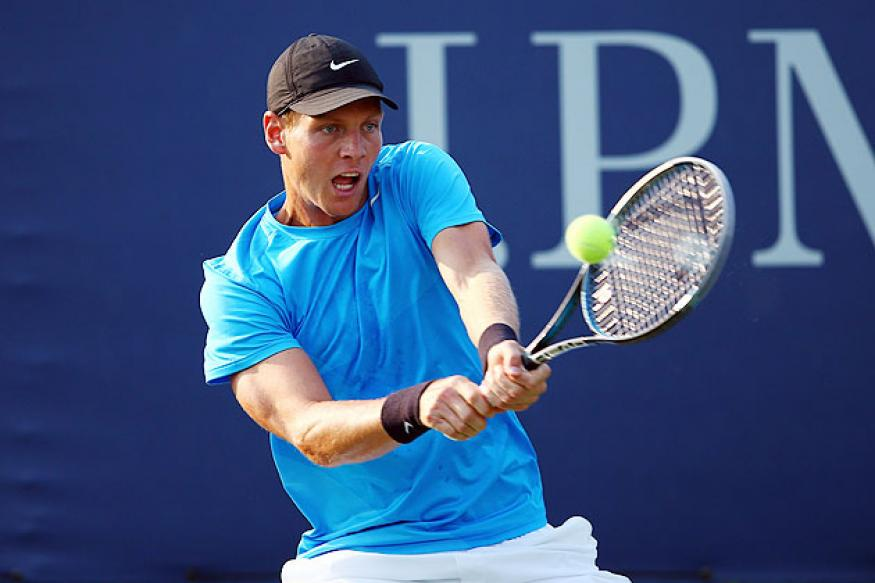 Berdych eases past Paire in Tokyo opener