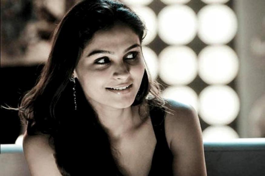 Endrendrum Punnagai: Andrea to play a nude model?