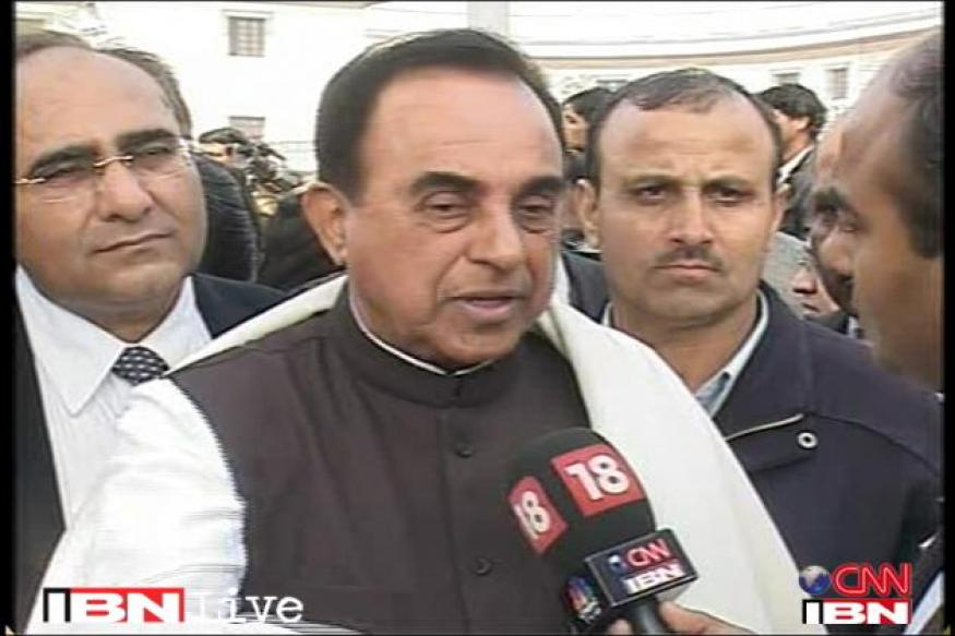Name BJP ministers who regret Modi remark: Swamy to Tharoor