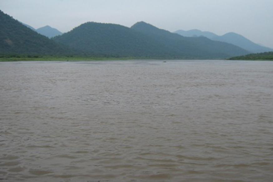 Meet and solve Cauvery dispute: SC to Jaya, Shettar