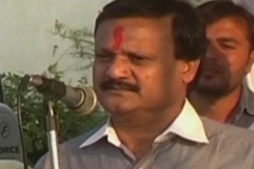Cong MP criticises his party; praises RSS for dedication