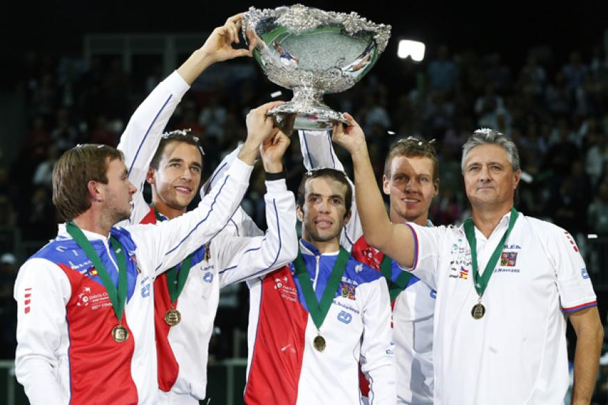 Czech Republic beat Spain 3-2 to win Davis Cup
