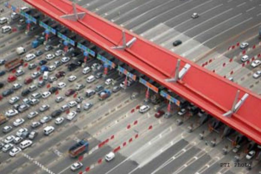 Hooda may buy operational rights of Gurgaon toll plaza
