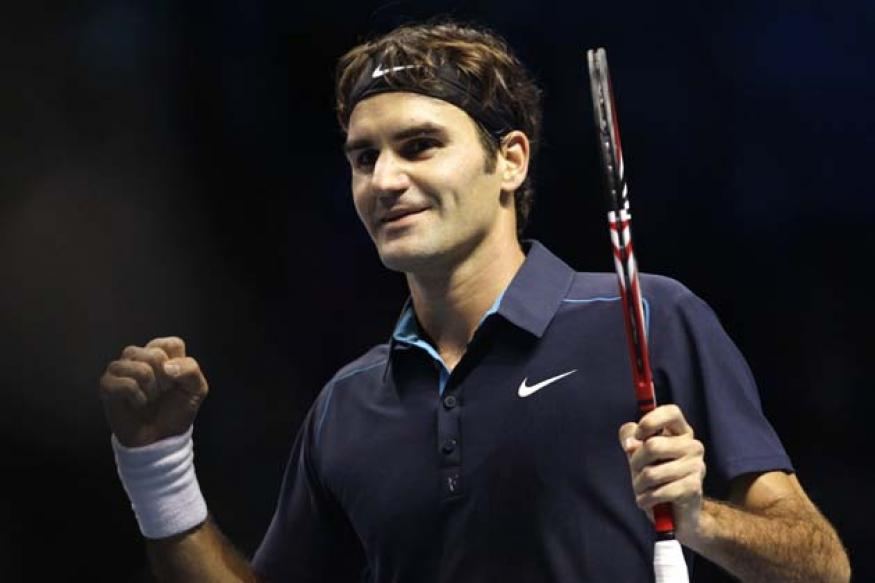 Federer opens with straight-set win at ATP finals