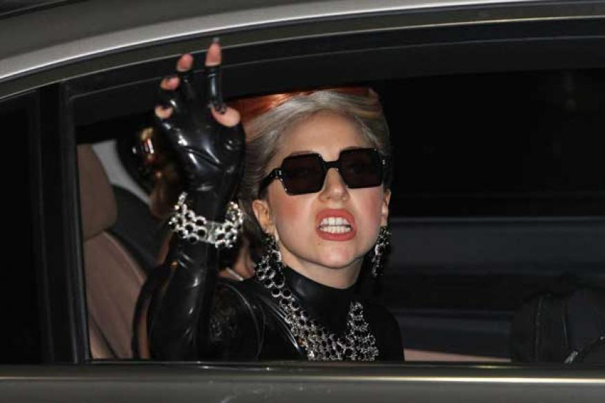 Lady Gaga: Fans break into the singer's house