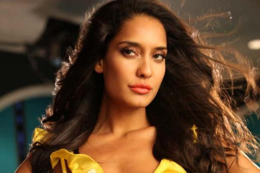 Lisa Haydon wants to break away from glamourous image