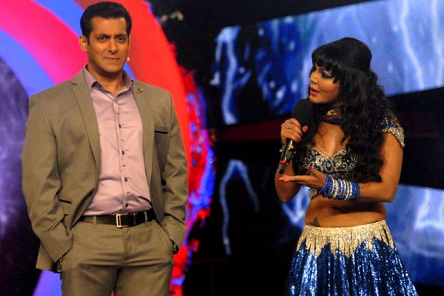 Bigg Boss: How Rakhi outrageously flirts with Salman
