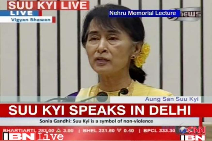 Suu Kyi praises Mahatma Gandhi, Jawaharlal Nehru