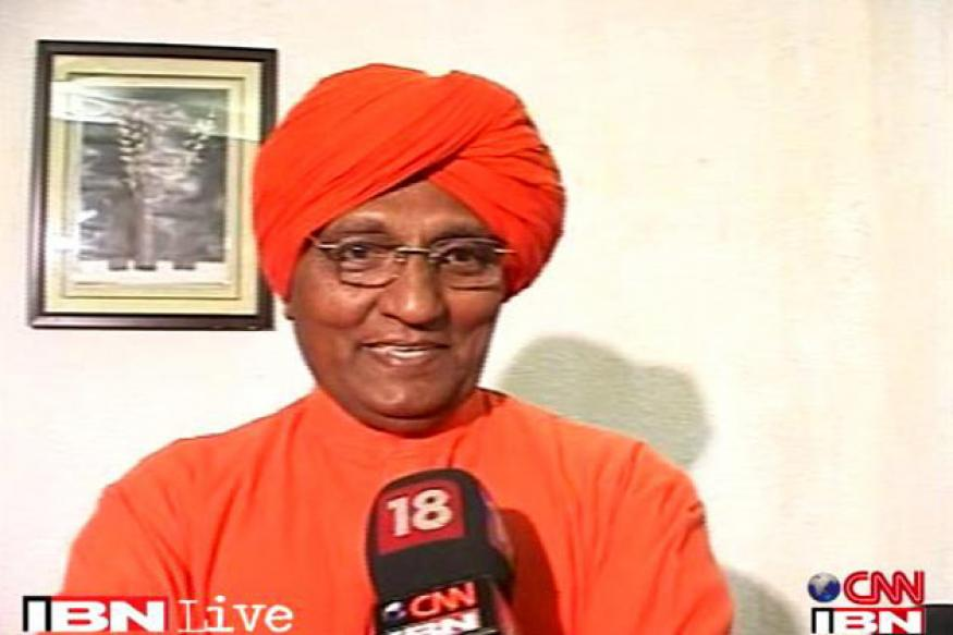 Haryana govt working in favour of DLF, alleges Agnivesh
