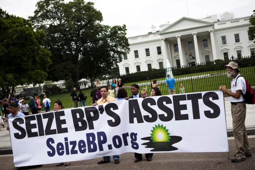US bans BP from new contracts after spill deal
