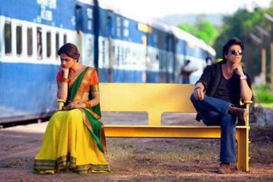 'Chennai Express' First Look: SRK romances Deepika
