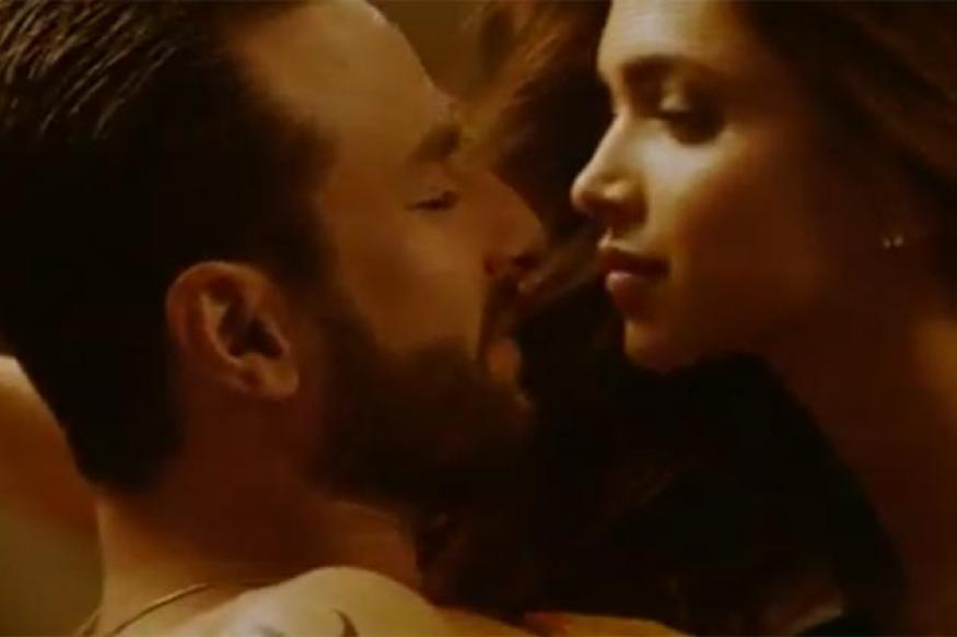 Race 2: Watch Deepika, Saif in the new song