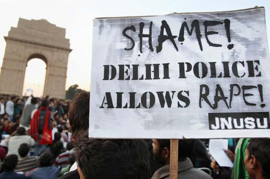 Delhi gangrape: Govt suspends eight policemen